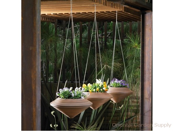 Daniel Lightweight Container - 16 inch Hanging