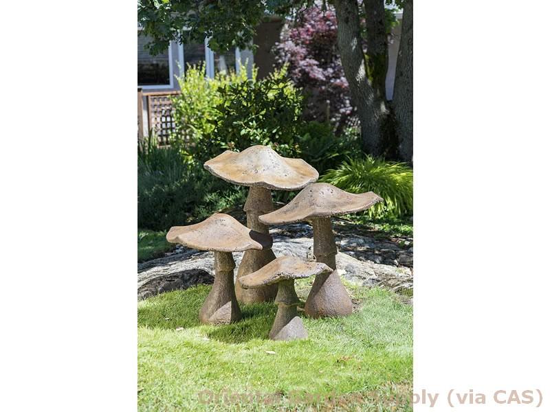 Cast Garden Mushroom