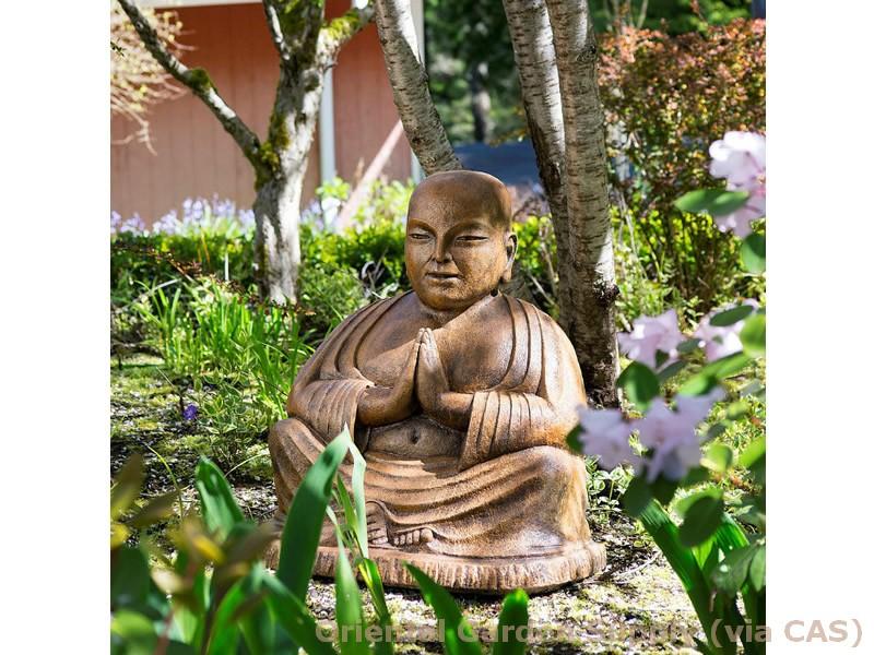 Cast Namaste Temple Buddha